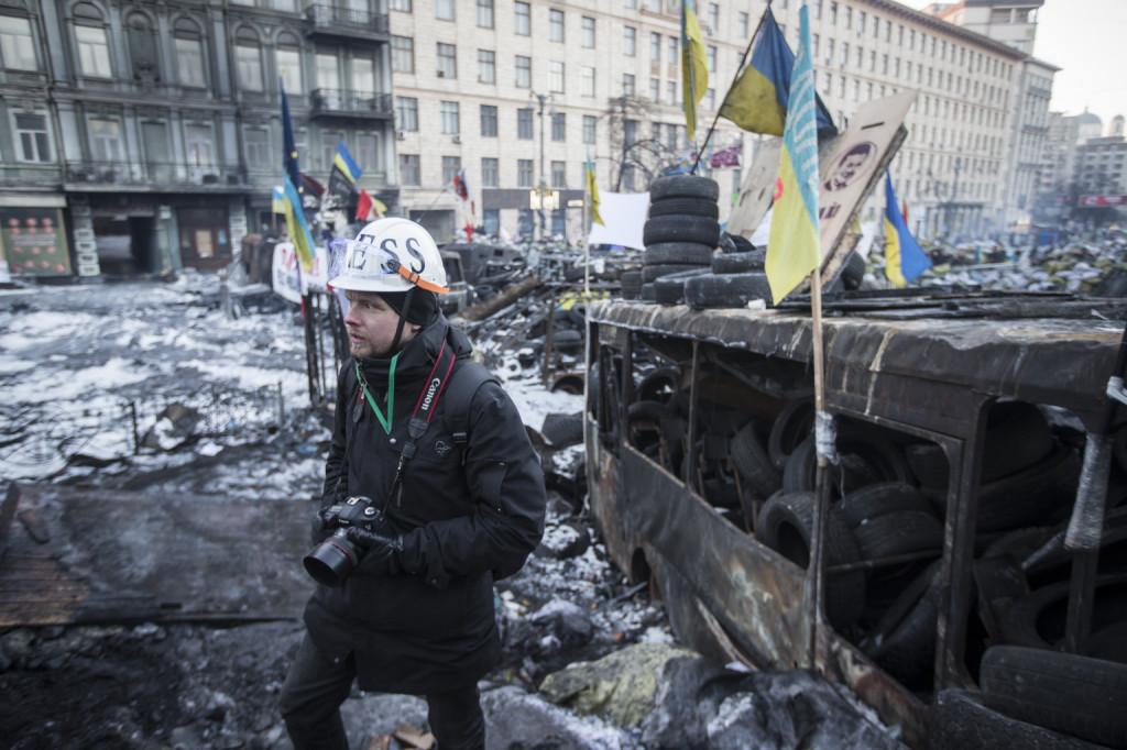 Kuvaamassa Kiovassa 2.1.2014. Kuvan otti tuntemattomaksi jäänyt kollega.