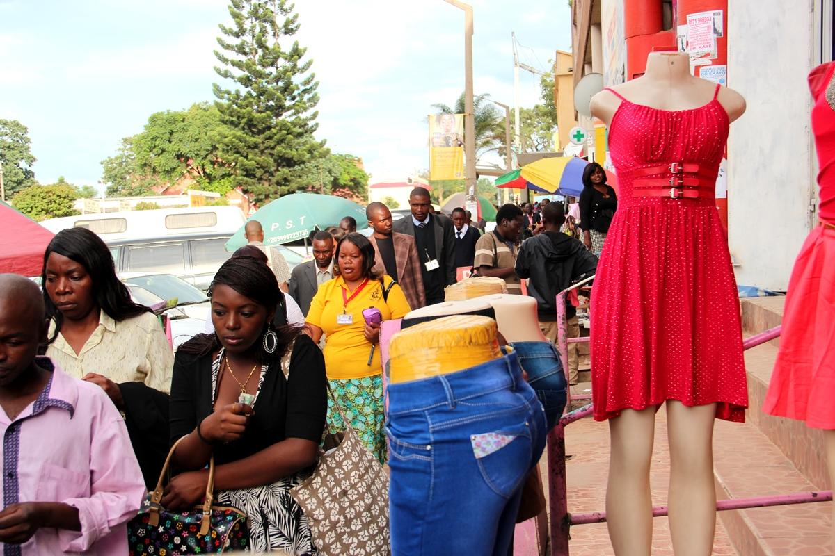 Kitwen Obote-street klo 5 iltapäivällä. Kuva Iikka Vehkalahti.