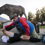 ◼Somero, 6.02. Hanuristi, hieroja Raimo Rönkkö venyttää uupuneita lihaksia.