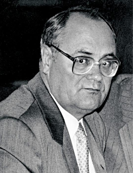 ◼Ukrainan  KGB:tä johtanut  Nikolai Goluško  Venäjän federaation väliaikaisena turvallisuusministerinä  1993.