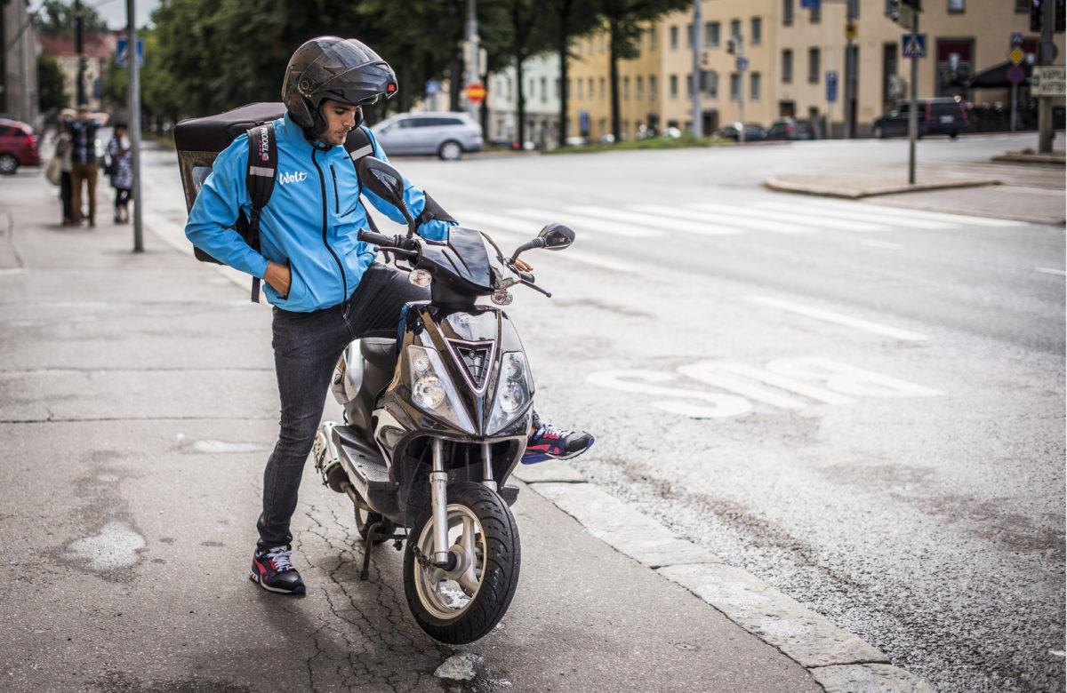 ◼Domenico Fortunato aloittaa työvuoron Helsingin Kallion ja Vallilan kulmilta, koska sieltä saa yleensä hyvin keikkoja.