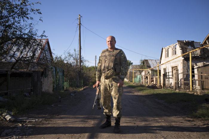 ◼Pataljoonankomentaja Aleksei Bašev ei luota kyläläisiin.