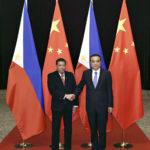 ◼Rodrigo Duterte Pekingissä presidentti Xi Jipingin kanssa.
