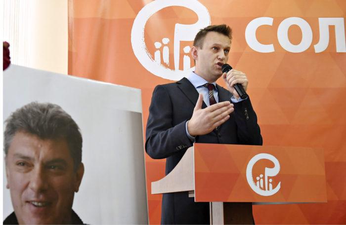 ◼Aleksei Navalnyi puhui murhatun Boris Nemtsovin perustaman Solidarnost-liikkeen kokouksessa  12. helmikuuta.
