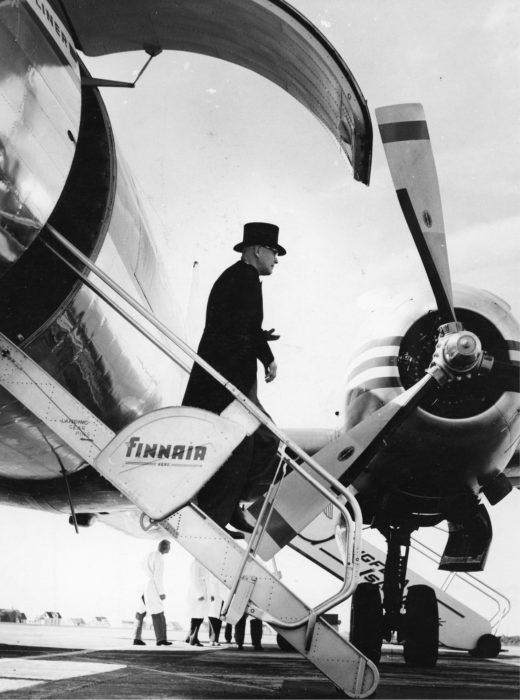 ◼Vuonna 1957 Urho Kekkonen vieraili Islannissa.