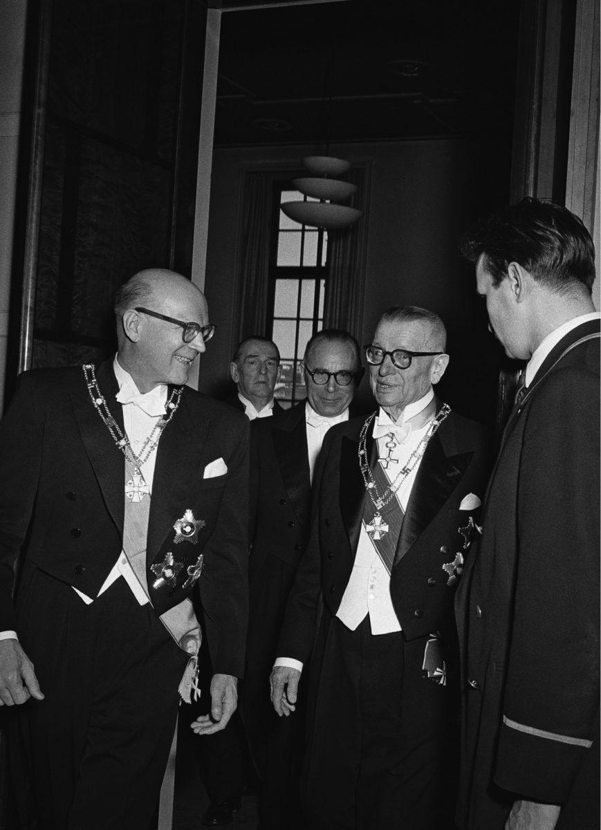◼J.K. Paasikivi luovutti presidentin tehtävät Urho Kekkoselle 1.3.1956.