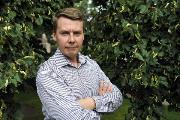 Lapsiasiavaltuutettu Tuomas Kurttila asettuu ehdolle eduskuntaan.