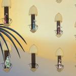 Hotelli Grandin asukkaita parvekkeillaan elokuvassa Muumit Rivieralla.