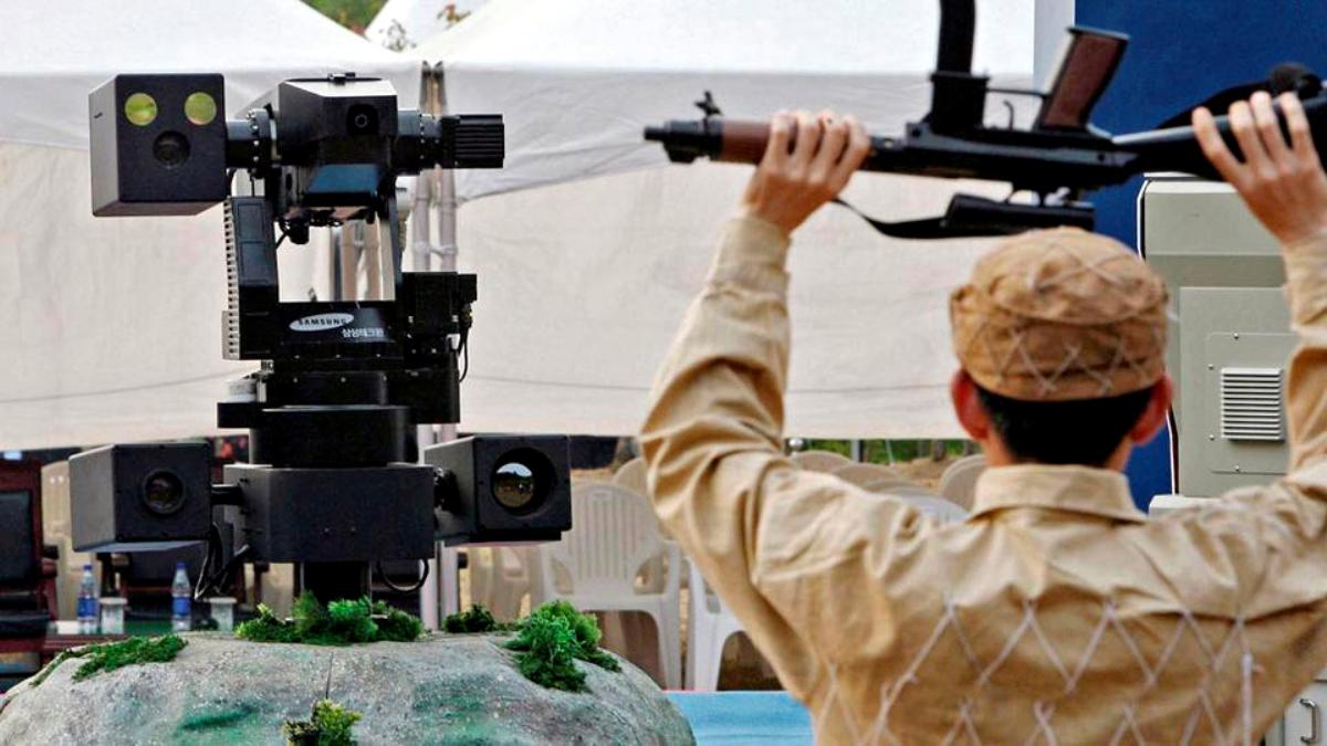Etelä-Korean rajavalvontaan käyttämät robotit tunnistavat tunkeilijat. Kuva AFP / Lehtikuva.