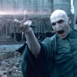 Voldemort (Ralph Fiennes) pahanteossa elokuvassa Harry Potter ja kuoleman varjelukset 2.