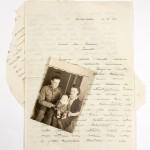 Rintamalla 1944 kadonnut Leo Johannes Pehkonen, vaimo Elsa Pehkonen ja tytär Tellervo alkuvuodesta 1944. Tämä on ainoa yhteinen kuva perheestä.