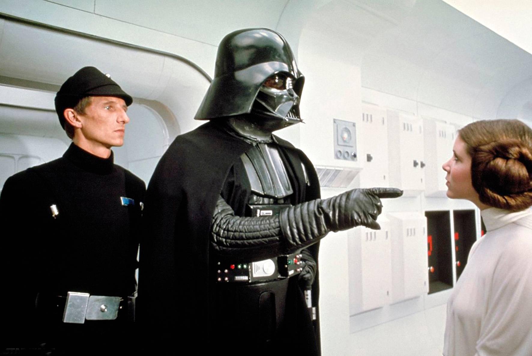 Prinsessa Leia ja Darth Vader vuonna 1977.