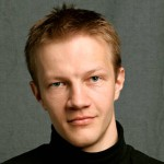 """""""Kuva on otettu Jussi Aallon Luovan valokuvauksen työpajassa 2007. Valokuvauskärpänen oli juuri puraissut, ja onnekseni satuin tuolle kurssille. Amatööriräpsiminen jäi taakse, opin viikon aikana todella paljon kuvaamisesta ja valaisutekniikasta. Sen jälkeen onkin tullut otettua yli 240000 kuvaa."""""""
