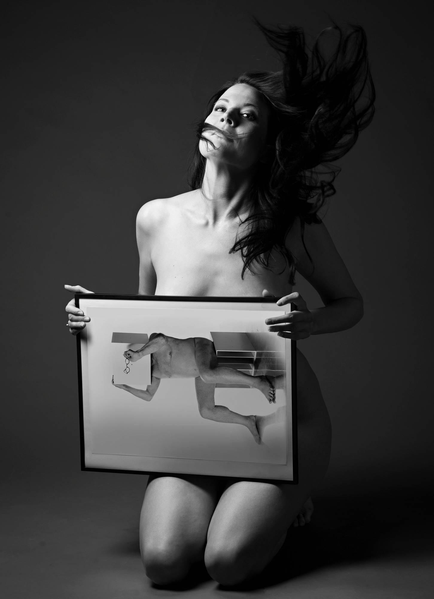 Marika Kiviharju on kuvannut alastomia ihmisiä monenlaisiin lehtiin.