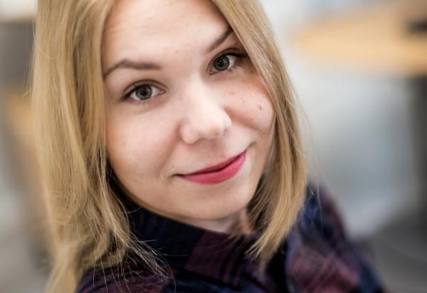 Suomen Kuvalehden toimittaja Aurora Rämö.