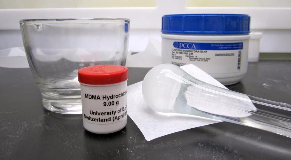 Lääketieteelliseen käyttöön tarkoitettua MDMA:ta.