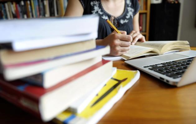 """Opintotuki on sekava järjestelmä – edes Kela ei sitä tunne kunnolla: """"Uhkaa opiskelijoiden ..."""