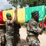 Malin armeijan upseereita hautajaisissa 21.6.2016.