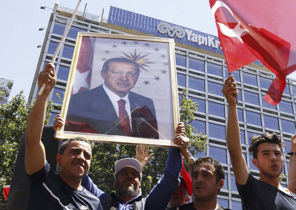 Erdoganin kannattajia.