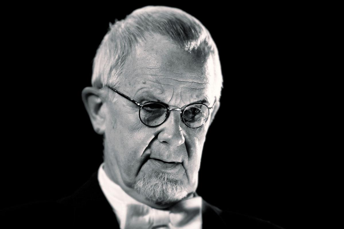 Vuonna 2005 Kalle Holmberg oli kapellimestari Wilhelm Furtwänglerin nahoissa näytelmässä Hitlerin kellonsoittaja.