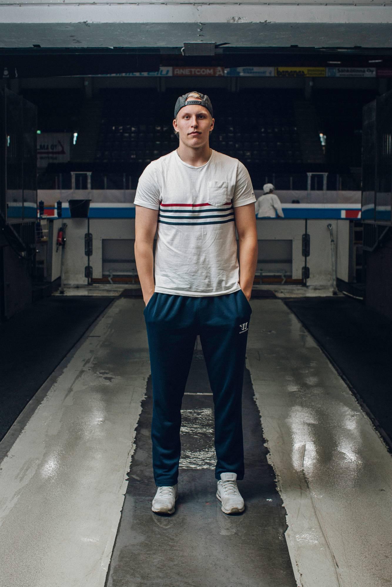 Patrik Laine muuttaa Tampereelta Kanadan Winnipegiin.