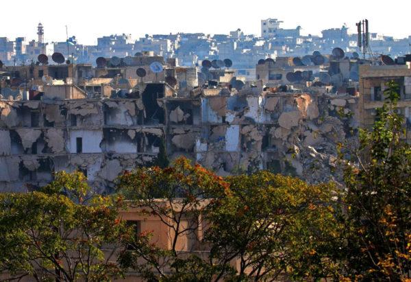 Tuhottuja taloja Bustan al-Bashan lähiössä Aleppossa 6. lokakuuta 2016. Syyrian hallituksen joukot kertoivat vallanneensa osan alueeesta kapinallisjoukoilta.