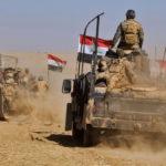 Irakin joukot etenevät aavikolla Tigrisjoen lähellä kohti Mosulia 20. lokakuuta 2016.