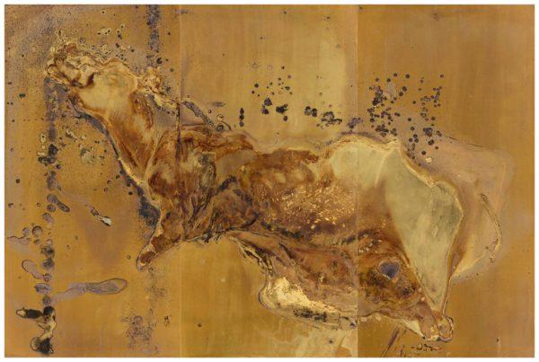 Elegia (2016) on tehty messingistä ja kuolleesta eläimestä.