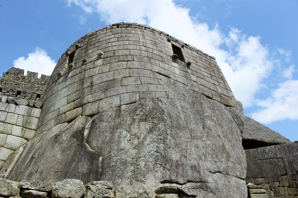 Auringon temppeli Machu Picchussa.