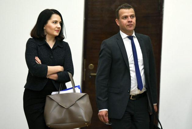 Kokoomuksen opetusministeri Sanni Grahn-Laasonen ja valtiovarainministeri Petteri Orpo eduskunnassa.