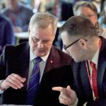 Puheenjohtaja  Antti Rinne ja puoluesihteeri Reijo Paananen SDP:n puoluevaltuuston sääntömääräisessä syyskokouksessa Hyvinkäällä.