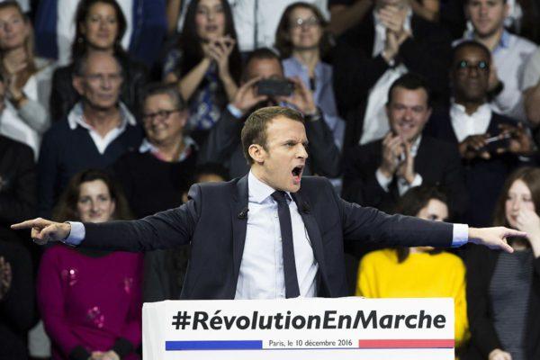 Emmanuel Macron kampanjoi Pariisissa 10. joulukuuta 2016.