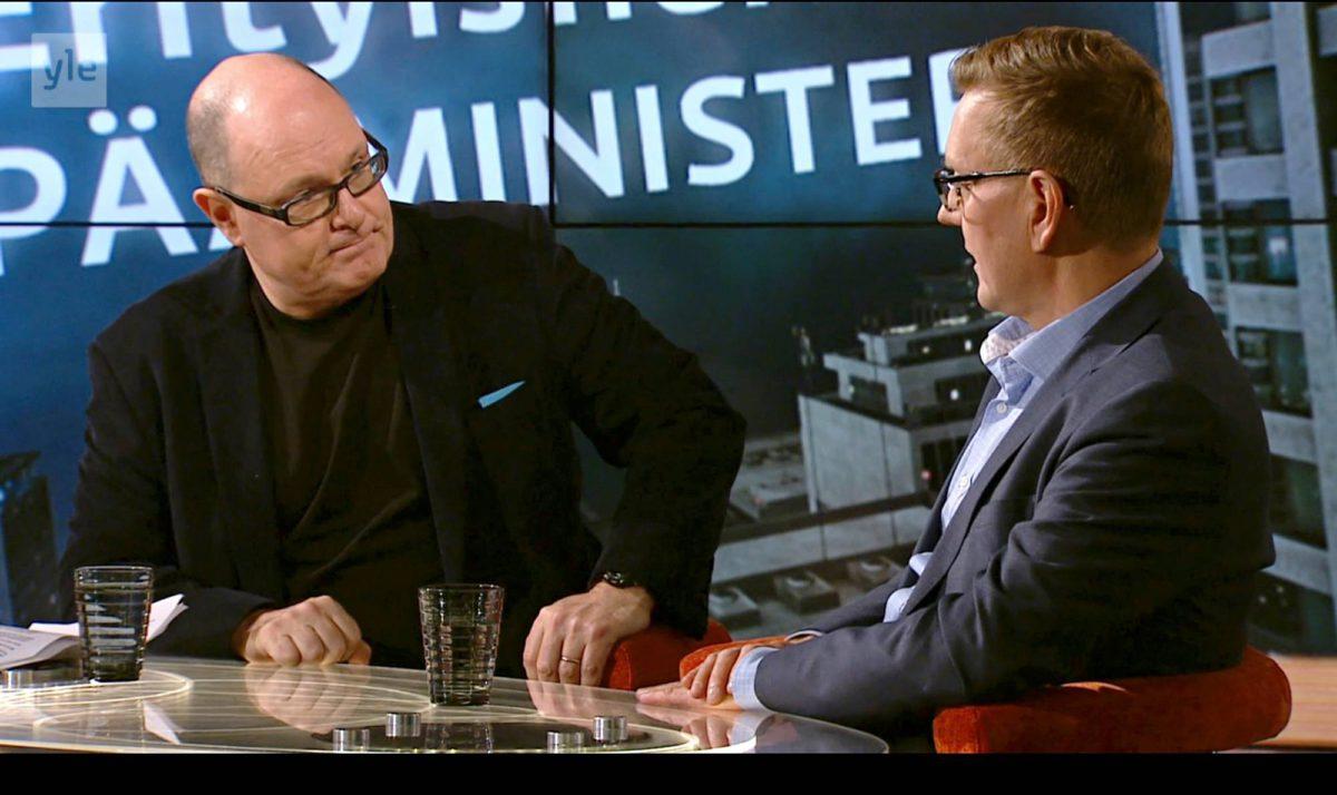 Ruben Stiller ja Ylen päätoimittaja Atte Jääskeläinen Pressiklubi-ohjelmassa 2. joulukuuta 2016. Kuvakaappaus.
