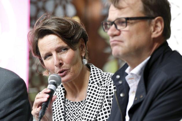 Ministeri Anne Berner ja pääministeri Juha Sipilä keskustan eduskuntaryhmän kesäkokouksessa Oulussa 23. elokuuta 2016.
