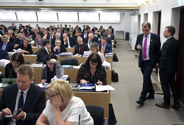 Eduskunnan täysistunto 20. joulukuuta 2016.