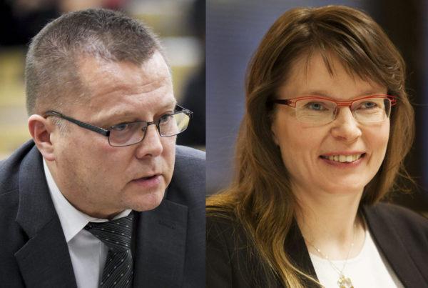 Kansanedustajat Markus Mustajärvi (vas) ja Eeva-Maria Maijala (kesk).
