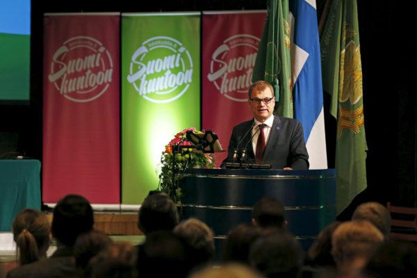 Pääministeri, keskustan puheenjohtaja Juha Sipilä puhui puoluevaltuuston kokouksessa Torniossa 26. marraskuuta 2016.