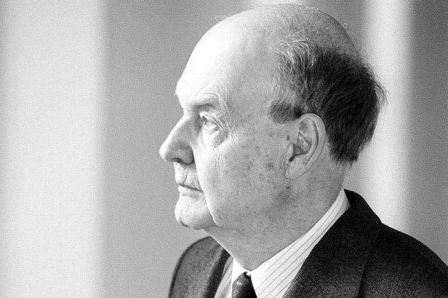 Thomas Warburton 1918–2016.