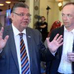 Perussuomalaiset Timo Soini ja Jussi Halla-Aho eurovaalien vaalivalvojaisissa Helsingissä 25. toukokuuta 2014.