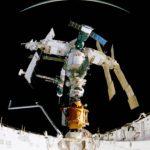 Mir kuvattuna avaruussukkula Atlantiksen ruumasta vuonna 1995.