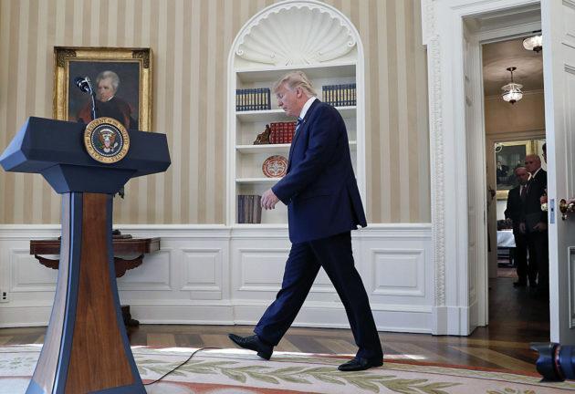 Yhdysvaltain presidentti Donald Trump Valkoisessa talossa Washingtonissa 9. helmikuuta 2017.