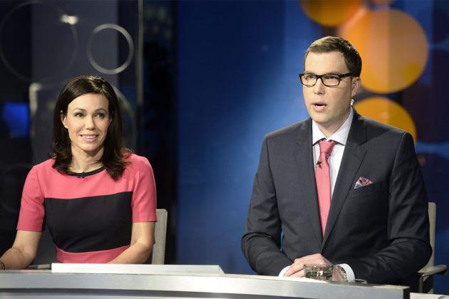 Juontajat Susanne Päivärinta ja Jan Andersson Yle TV1:n suuren puheenjohtajatentin alussa Helsingissä 16. huhtikuuta 2015.