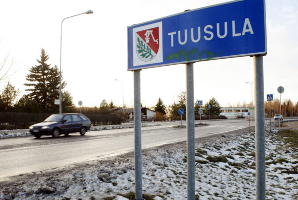 Tuusula-kyltti kunnan rajalla.