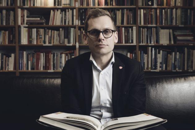 Antton Rönnholm kirjakauppa Arkadiassa Helsingissä.