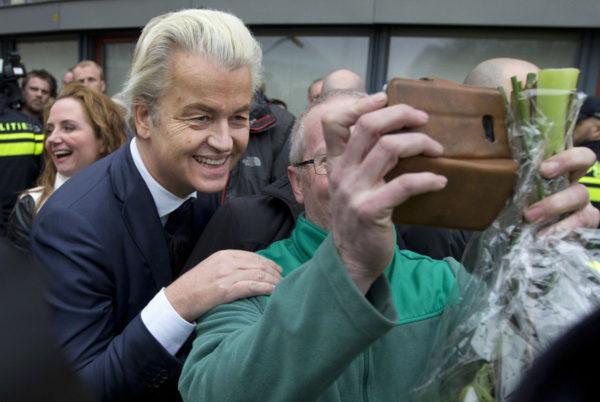 Hollannin Vapauspuolueen johtaja Geert Wilders kampanjoi Spijkenissessä lähellä Rotterdamia 18. helmikuuta 2017.