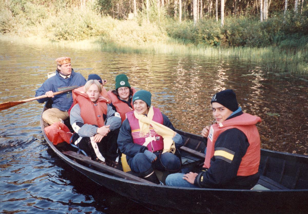 Vuonna 1998 Pielavedellä vieraili belgialaisia nuoria, jotka tutustuivat suomalaiseen luontoon ja sen antimiin.