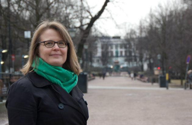 Sanna Vesikansa. Kuva on Vesikansan verkkosivuilta.