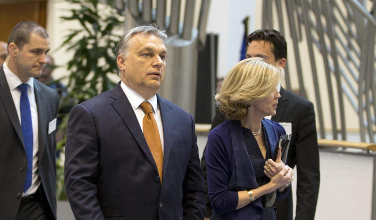 Viktor Orbán saapui Euroopan parlamentin kuultavaksi 26. huhtikuuta 2017.