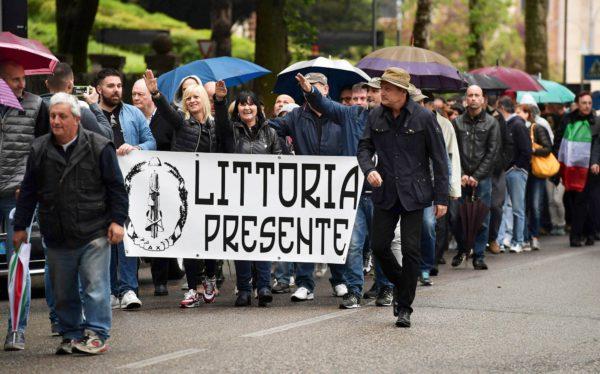 Benito Mussolinia muistettiin huhtikuussa 2016 hänen synnyinkaupungissaan Predappiossa.