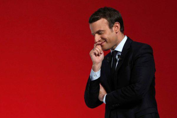 Emmanuel Macron vaalitilaisuudessaan Chatelleraut'ssa Keski-Ranskassa 28. huhtikuuta 2017.